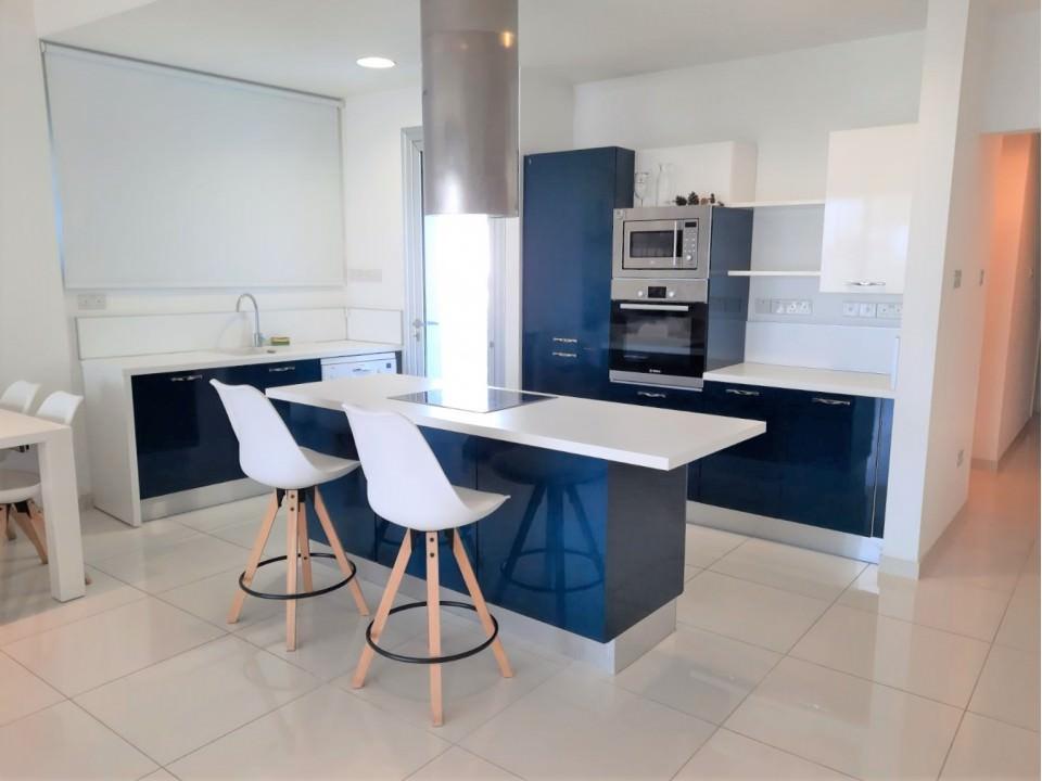 Zephyr Residences: Апартаменты 103